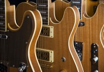 Soundtrade-kitaroita ©Jarno_Kovamäki