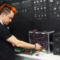 Roland System 1 Timo Ahlqvist Frankfurtin Musiikkimessut