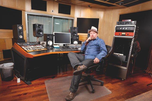 Tuottaja Tommi Vainikainen Riffin haastattelussa
